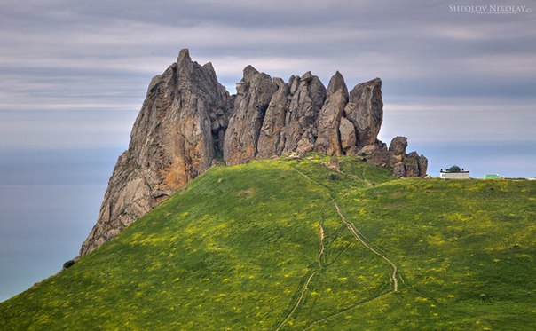 Beshbarmag mountain (5 fingers)