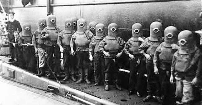 Sualtı qayığın heyəti skafandrlarda, 1908-ci il