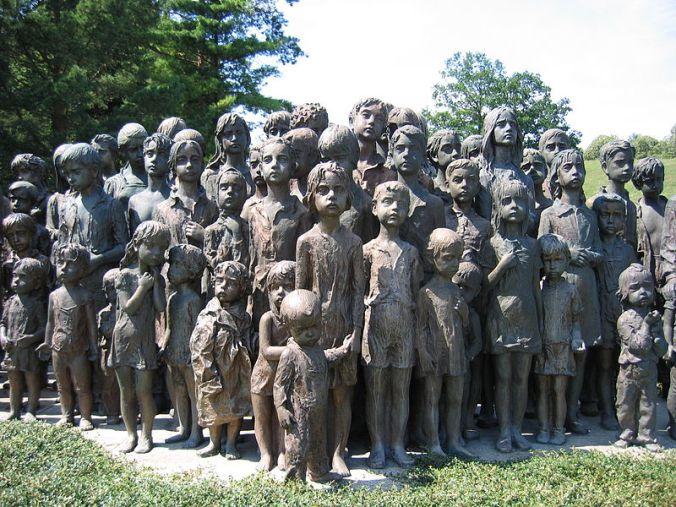 800px-Memorial_lidice_children_(2007)-commons.JPG
